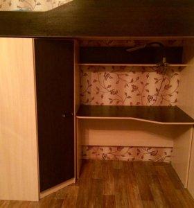 Детская кровать, с орт матрасом,со столом и шкафом