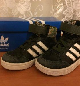 """Кроссовки """"Adidas"""" р.23"""