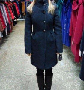 Утеплённое драповое пальто