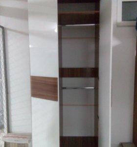 Шкаф двустворчатый или спальный гарнитур