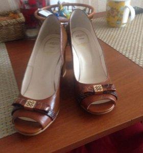 Туфли новые натуральная кожа 37р.