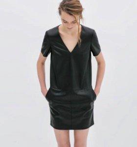 Платье Zara из эко-кожи , размер М