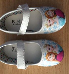 Новые детские сандалики, размер 23
