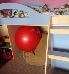 Кровать-чердак с выдвижным столом бамбини 30