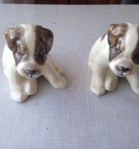 Статуэтки двух собак