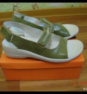 Новые сандалии-босоножки 38 р-р