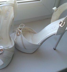Белые туфли 38, 39
