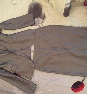 Женский костюм , пиджак и юбка