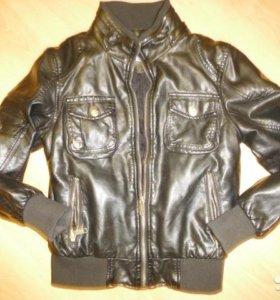 Демисезонная куртка рост 122-128