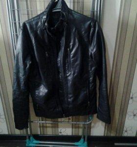 Продам куртку кожаную размер 44