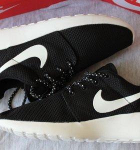 Кроссовки черные Nike roshe run