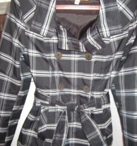 Лёгкая куртка р. 42-44