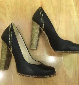Туфли 35-36 размера в отличном состоянии
