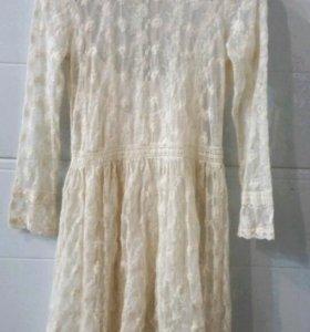 Кружевное платье 42-44