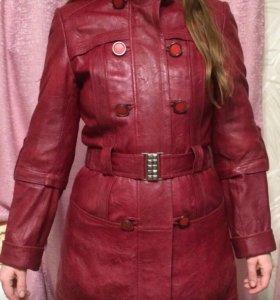 Куртка удлиненная из натуральной кожи.