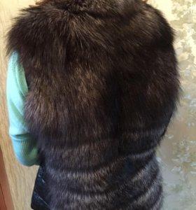 СрочноНовая куртка/меховая жилетка с чернобуркой.