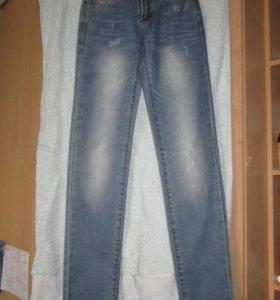 Новые джинсы 6pm 26 размер