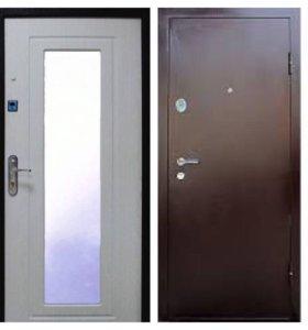 Двери входные с зеркалом