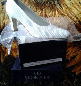 Туфли кожаные Vernice Bianca Италия