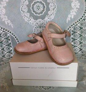 Туфли для маленькой леди 20р.