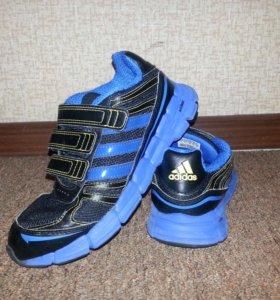 Кроссовки  Adidas б\у р. 34