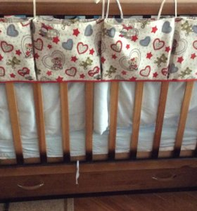 органайзер с кармашками на кроватку