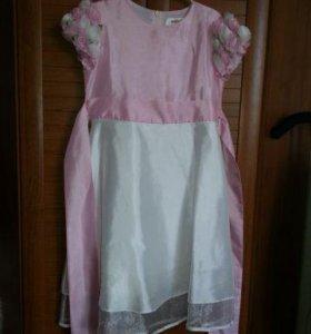 Нарядное платье 122/128