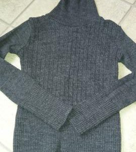 Шерстяной свитер-водолазка 134/140