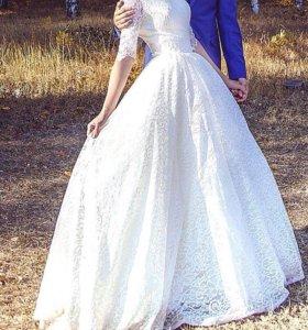 Свадебное платье+ гребень в прическу в подарок)