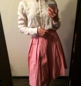Розовая юбка миди в складку