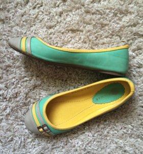 яркие модные туфли 36