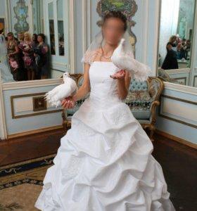 Свадебное платье, босоножки (кожа) в подарок