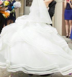 Свадебное платье (наишикарнейшее)