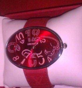 Часы Luis Vitton