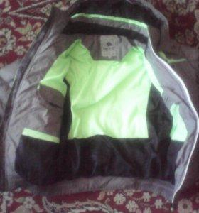 Куртка на  мальчика 10-12 лет зима