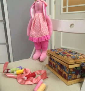 Очаровательная розовая зайка из флиса!