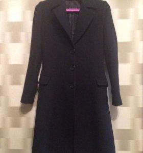 Пальто чёрное. На рост 160-165. 42-44. Классика.