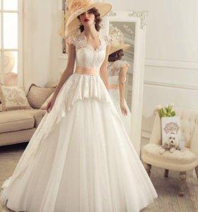 Свадебное платье с баской Эсмеральда