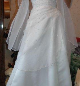 Свадебное платье. 44-46. Рост до 170 см.