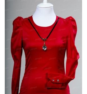 Рубашка с кулоном красная