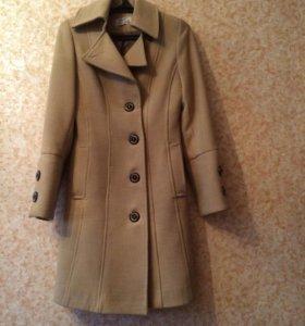 Пальто демисезонное, р-р 44-46