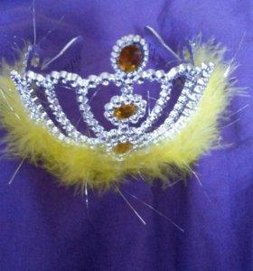 Диадема,корона со страусиными перьями.Для малышек!