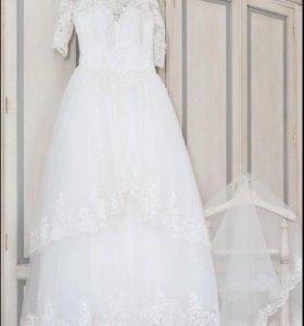 Свадебное  платье , размер  S-42, 44