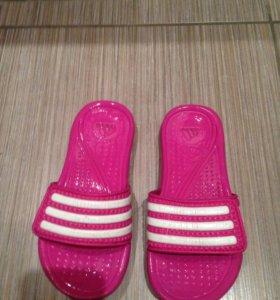 Шлепки  Adidas резиновые 28р