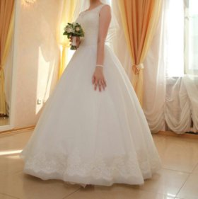 Красивое свадебное платье*