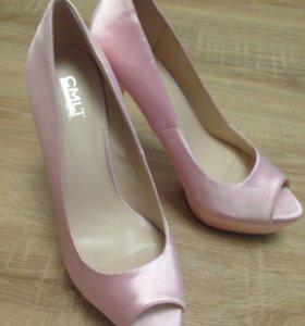Новые туфли атласные, 39