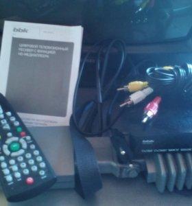Телевизор. Samsung 37см. с цифровой приставкой
