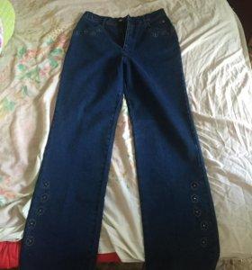 Новые джинсы Lafeinier