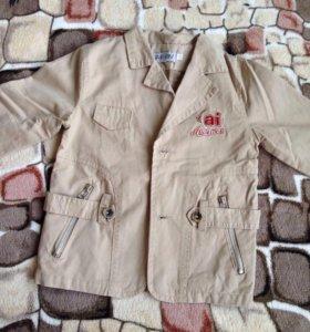 Пиджак  на мальчика 2-4 лет