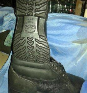 Продаю ботинки, сапоги резиновые